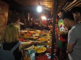 Nachtmarkt mit Buffet