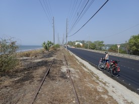 Links und rechts Wasser: Fahrt zur Halbinsel Puntarenas.
