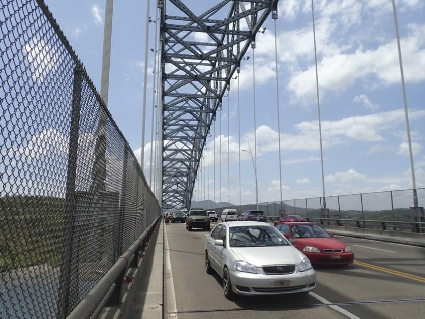 Stress auf der hohen Brücke