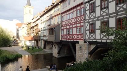 Altstadt-bebaute Brücke