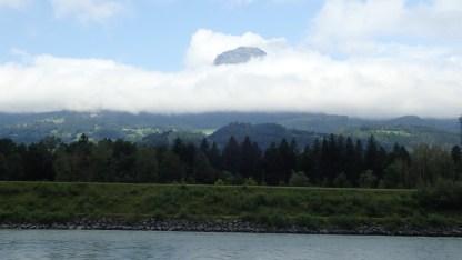 wieder am Rhein entlang