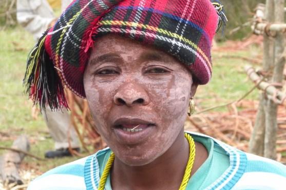 Suedafrika-Bulungula-Xhosa-Frau-karo
