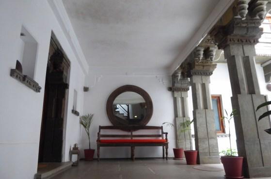 Udaipur_Haveli_Bank