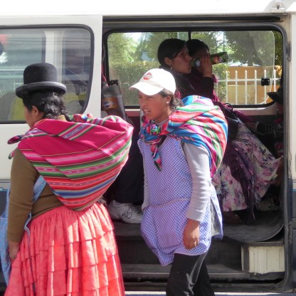 Bolivien-LaPaz-Indigens-Bus