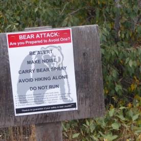 USA-BeBearAware-Hiking