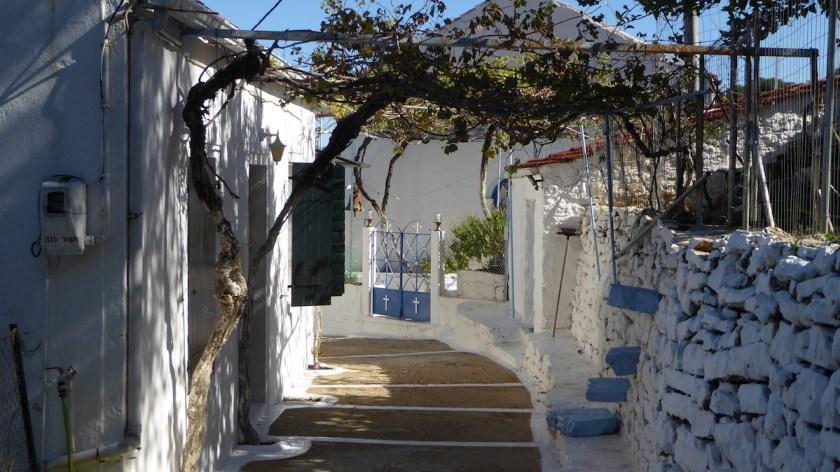19 Monate auf Weltreise: Gasse in Griechenland