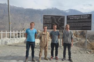 Miroslav von der UN, getroffen an der Grenze zwischen Hindukusch, Himalaya und Karakorum