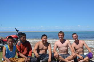 Neue Freunde am größten See der Mongolei - Uvs Nuur