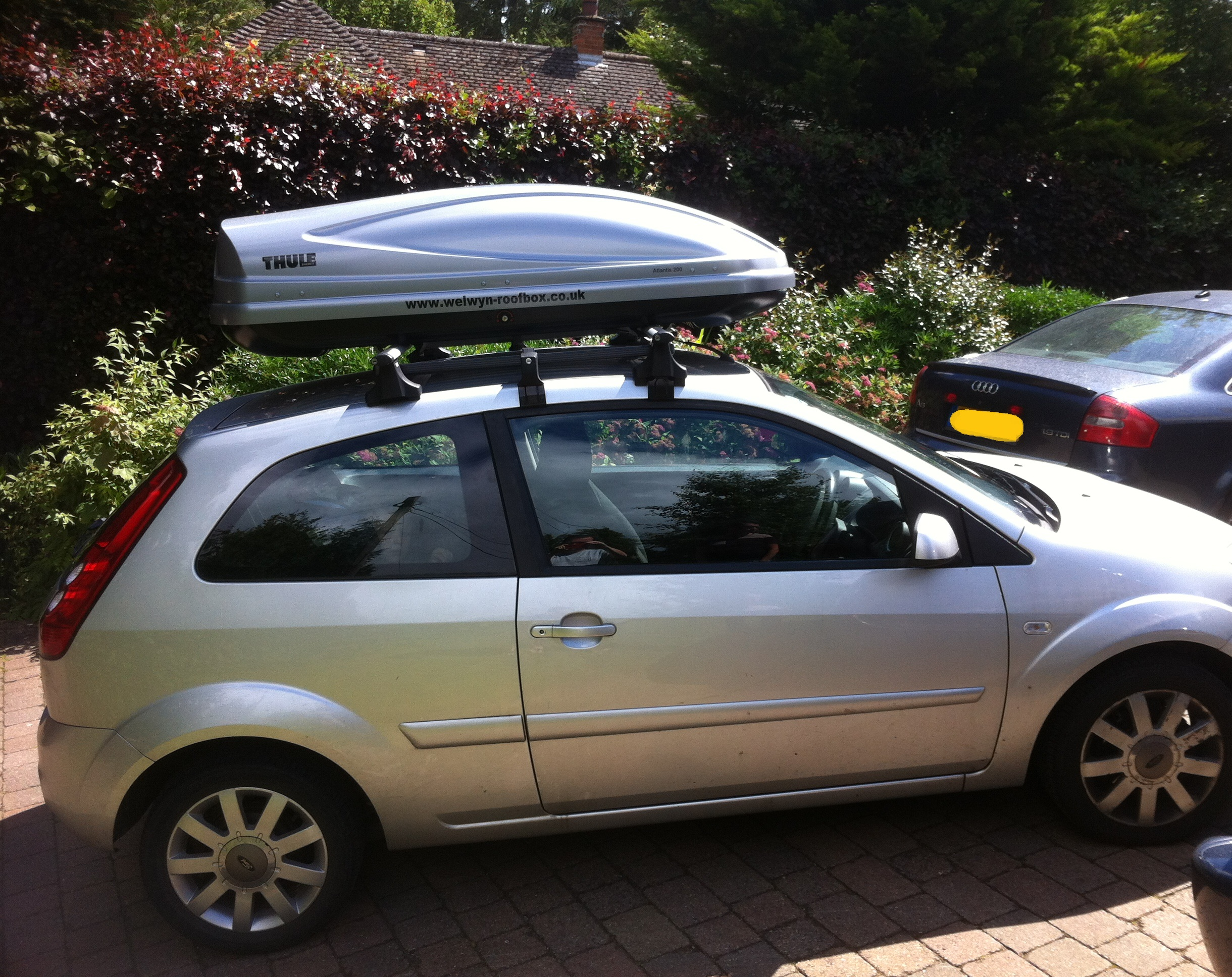 Roof box for ford fiesta