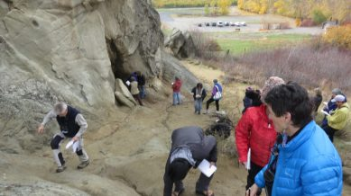 Wenatchee Naturalists begin their geology field sketches, making close up diagrams of rock layers.
