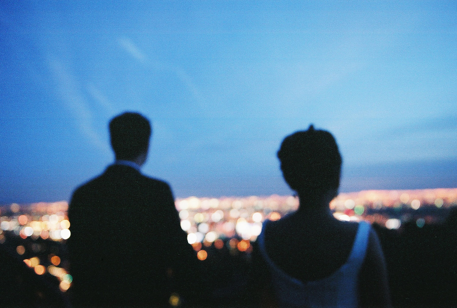 nighttime los angeles engagement photos by wendy g photography