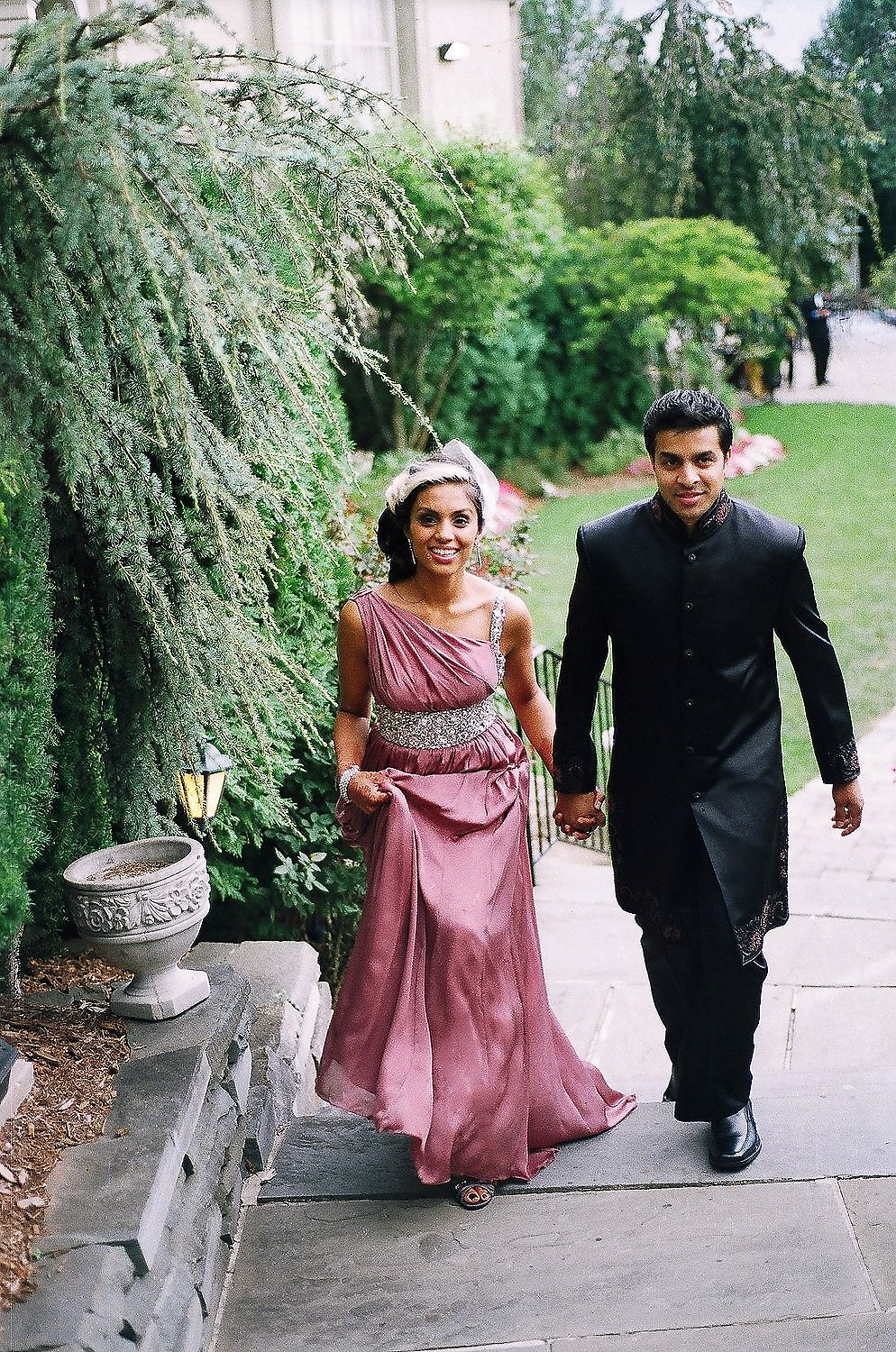 Indian wedding couple at Westmount Country Club taken by nyc wedding photographer wendy g
