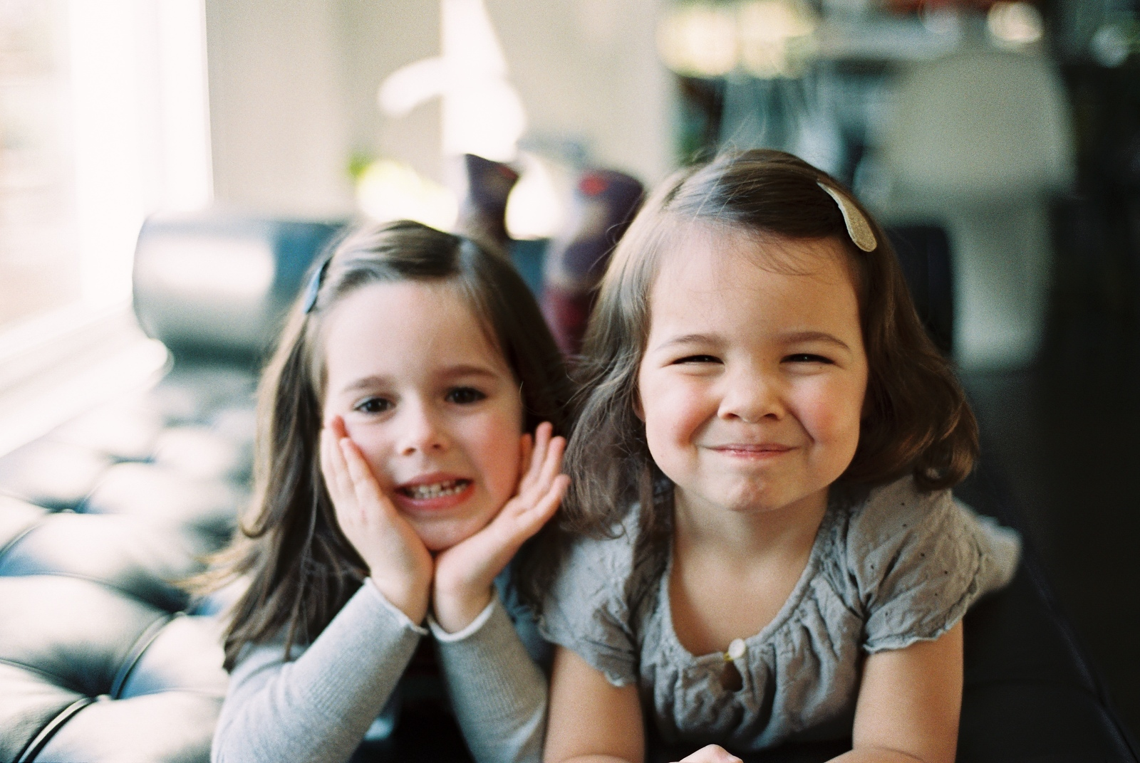 portraits of two siblings by wendy g photography