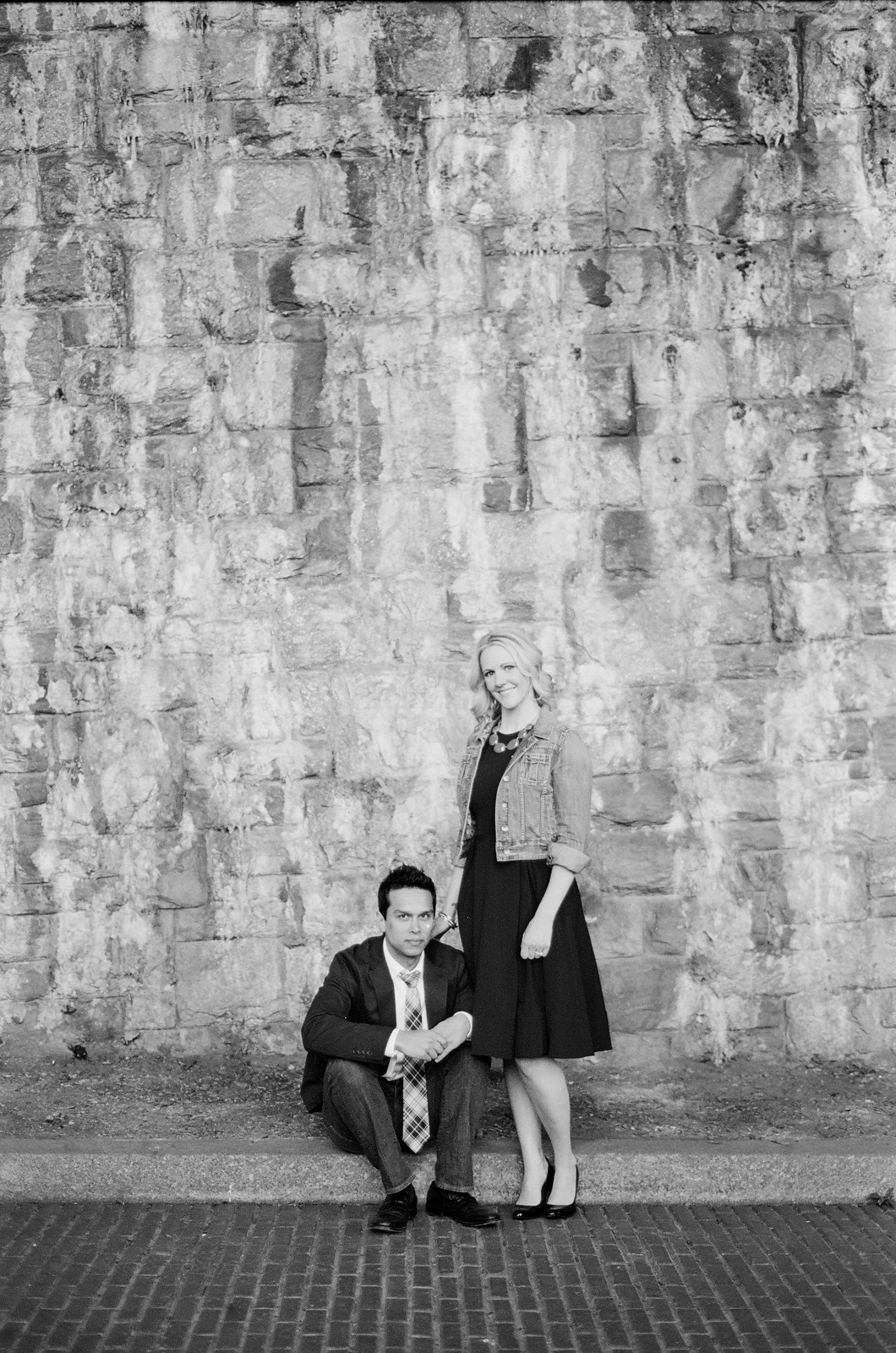 black and white engagement photo fort tryon park by wendy g