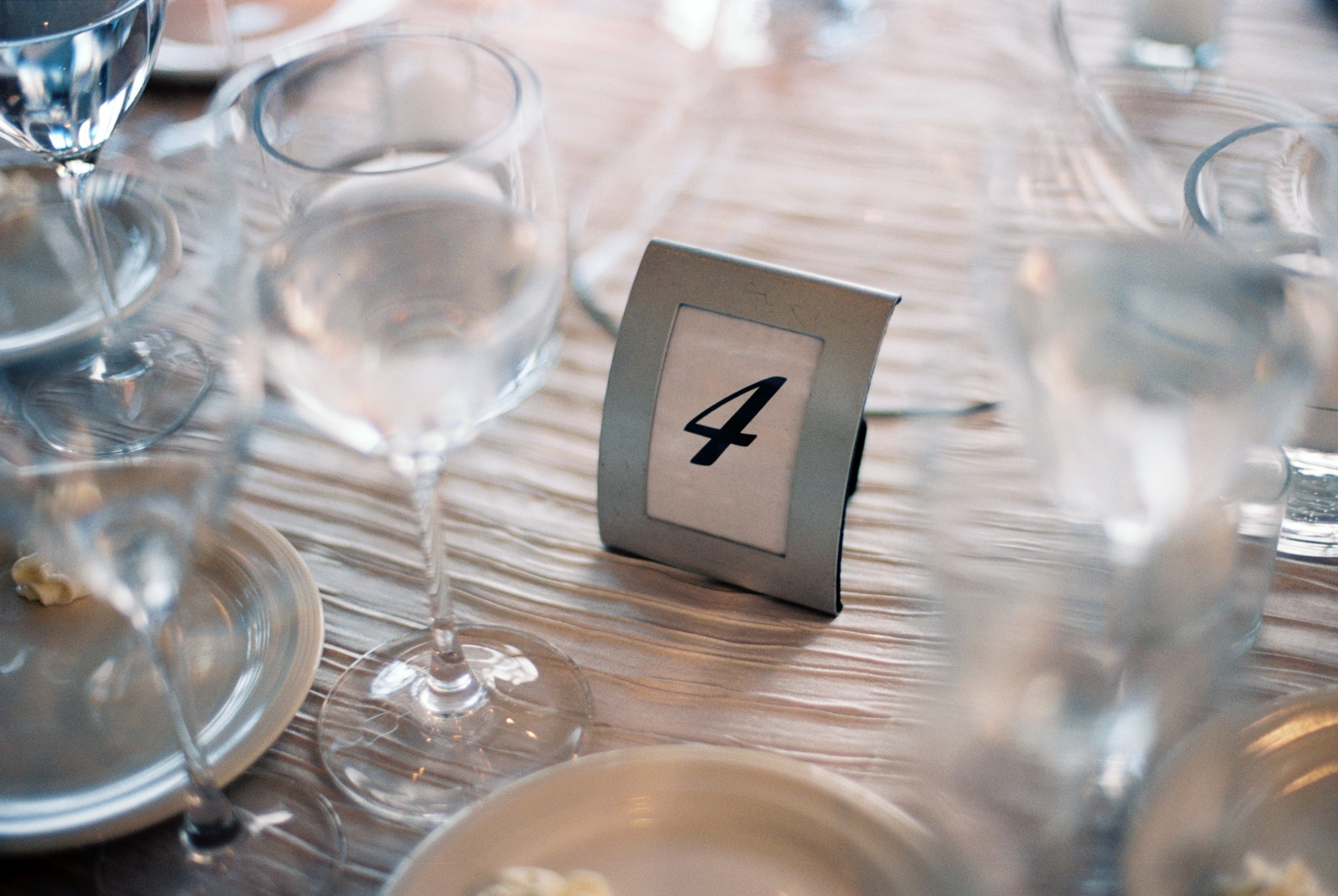 mamaroneck yacht club wedding table shot by wendy g photography