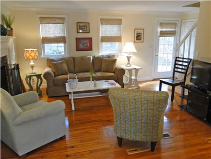 best deals on living room furniture yellow and grey accessories orleans vacation rental home in cape cod ma 02653 | id 21116
