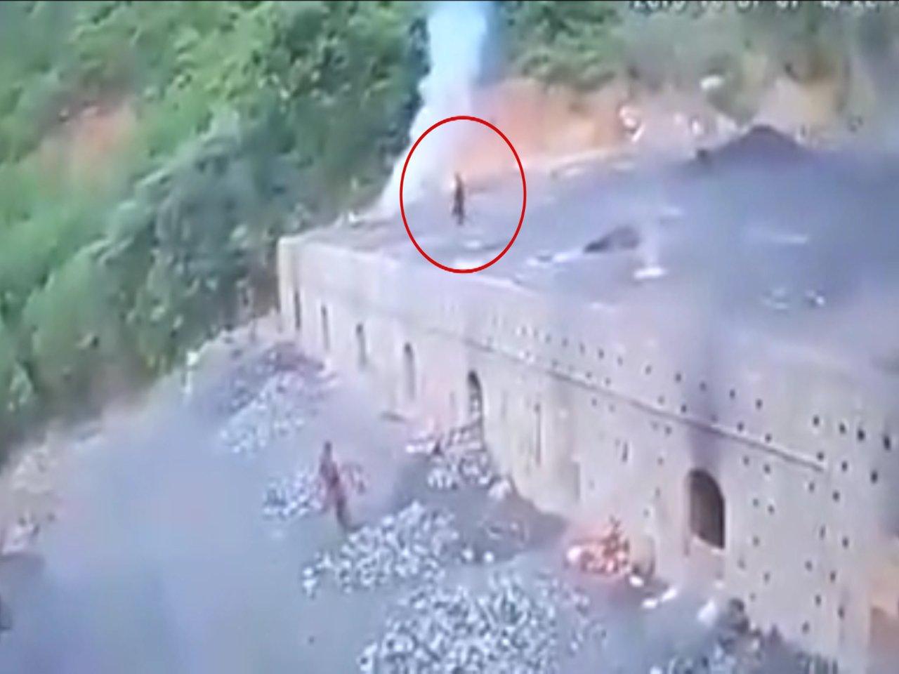 男子跌入1200度高温煤炉 一股黑烟瞬间烧成白骨(图/视)