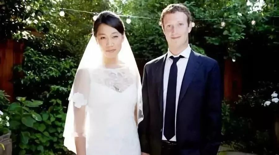 貧苦華裔女孩嫁給身價4000億穀歌老板 堪比鄧文迪!(組圖)