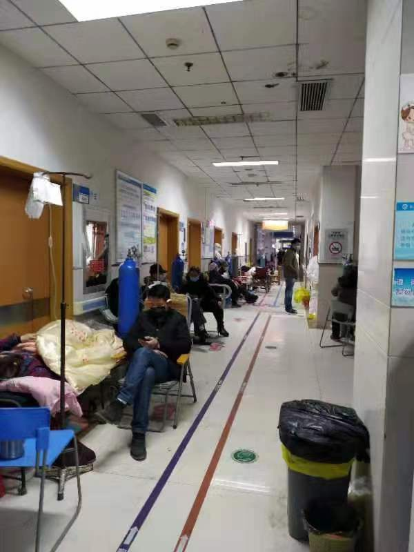 武汉感染者:妈妈住进了火神山,我也进了方舱医院(组图)