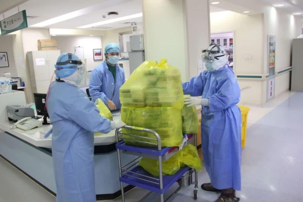医疗援助队日记:上厕所会让新冠危重病人致命(图)