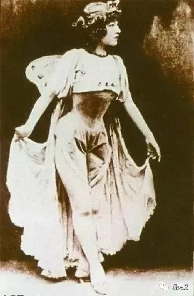 """慈禧最宠""""公主""""凭芭蕾惊艳巴黎,却被断双腿、晚年凄凉..."""