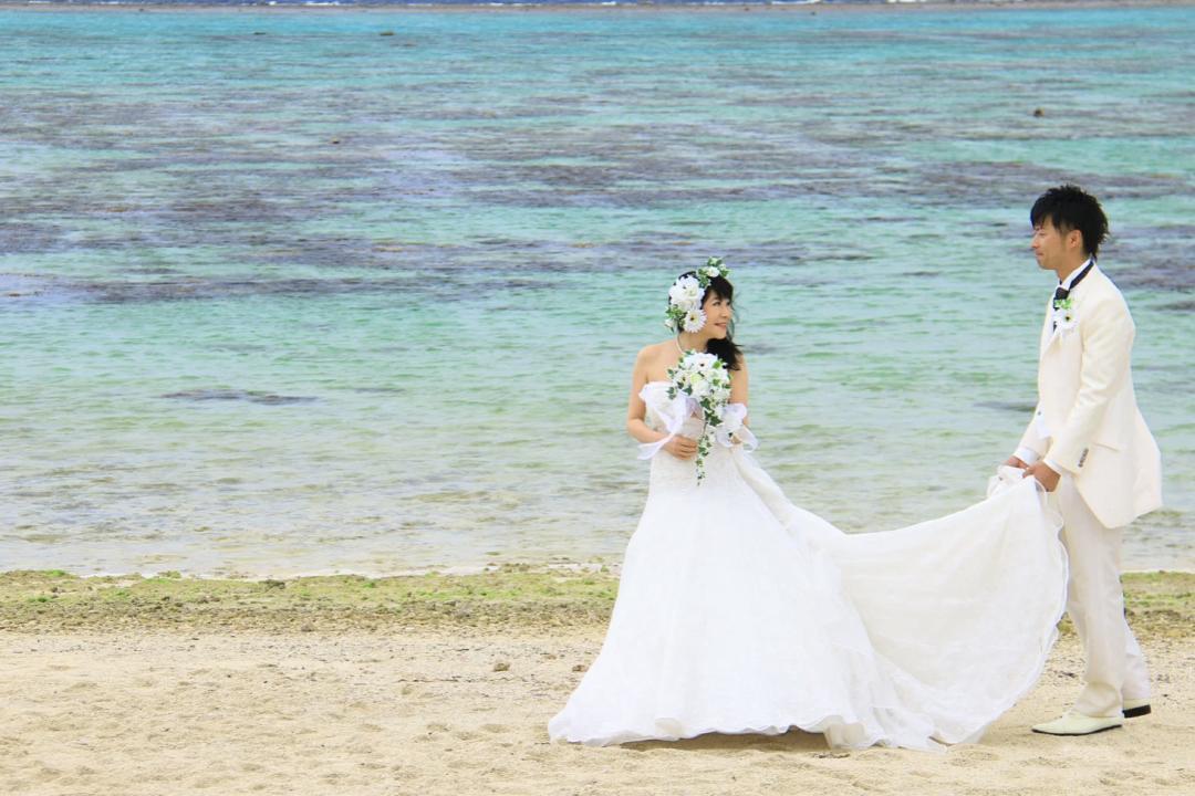 29岁小伙和54岁寡妇相爱:不办婚礼开房车环游世界