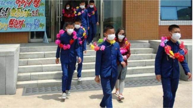 """朝鲜官媒称数百孤儿""""自愿""""到煤矿农场当童工"""