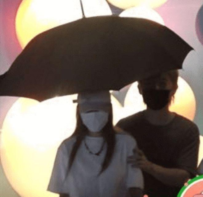 与罗志祥分手后有新恋情 ? 周扬青与神秘男雨中相依