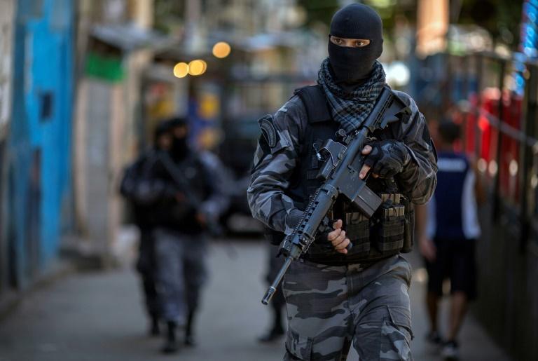 警匪追逐引发派对群众踩踏事件 至少9死2伤