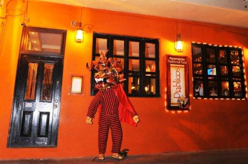 Resultado de imagem para diablicos restaurante panama