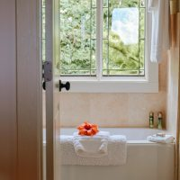 Ideas To Remodel & Redecorate Your Bathroom