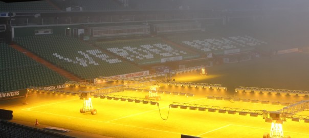 Beleuchteter Weserstadionrasen