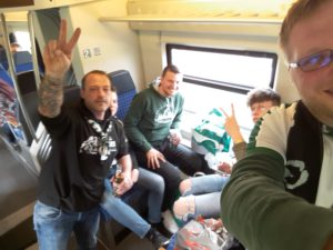 Auf der Hinfahrt im Zug
