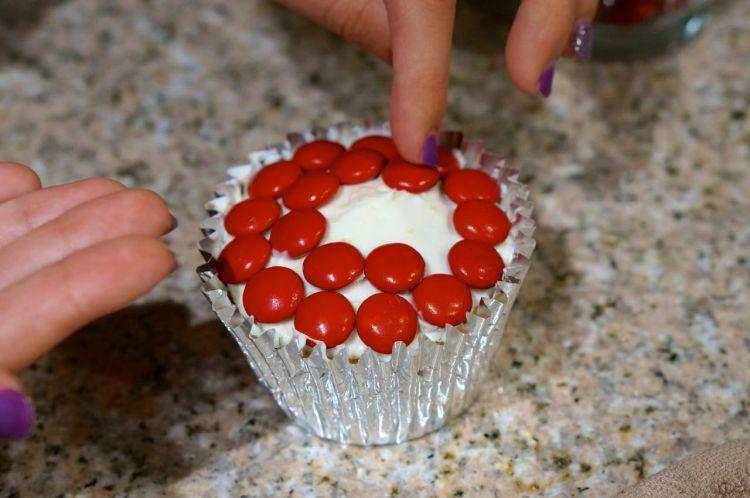 mandm cupcake pie steps
