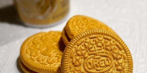 gold-covered-oreos-edible