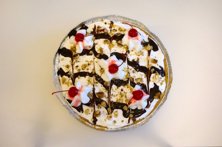 banana-split-pie
