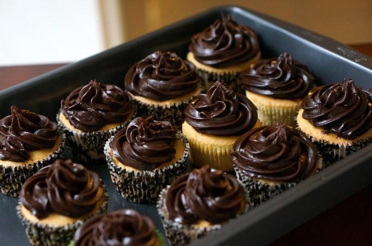 Avocado-chocolate-icing-cupcakes