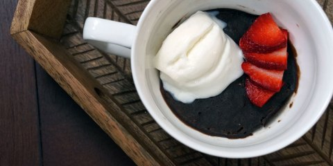 dark-chocolate-mug-cake