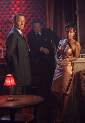 "GOTHAM: Alfred (Sean Pertwee, L) pays a visit to Fish Mooney (Jada Pinkett Smith, R) in the ""Lovecraft"" episode of GOTHAM airing Monday, Nov. 24 (8:00-9:00 PM ET/PT) on FOX. ©2014 Fox Broadcasting Co. Cr: Jessica Miglio/FOX"