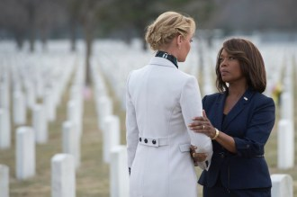 "STATE OF AFFAIRS -- ""Pilot"" -- Pictured: (l-r) Katherine Heigl as Charleston Tucker, Alfre Woodard as President Constance Payton -- (Photo by: Michael Parmelee/NBC)"