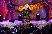 CHRISTMAS IN ROCKEFELLER CENTER SPECIAL -- Pictured: Lauren Alaina -- (Photo by: David Giesbrecht/NBC)
