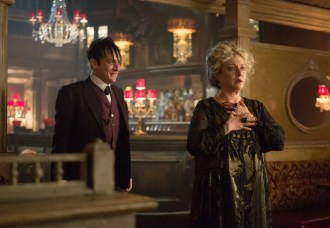 """GOTHAM: Oswald Cobblepot (Robin Lord Taylor, L) surprises his mother, Gertrud (guest star Carol Kane, R), in the """"Welcome Back, Jim Gordon"""" episode of GOTHAM airing Monday, Jan. 26 (8:00-9:00 PM ET/PT) on FOX. ©2015 Fox Broadcasting Co. Cr: Jessica Miglio/FOX"""