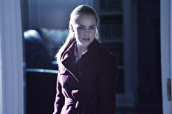"12 MONKEYS -- ""Mentally Divergent"" Episode 102 -- Pictured: Amanda Schull as Railly -- (Photo by: Ben Mark Holzberg/Syfy)"