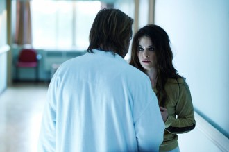 """12 MONKEYS -- """"Mentally Divergent"""" Episode 102 -- Pictured: (l-r) Aaron Stanford as Cole, Emily Hampshire as Jennifer -- (Photo by: Ken Woroner/Syfy)"""