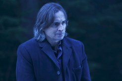 "VIDEO: Preview Tonight's 'Once Upon a Time' Mid-Season Premiere ""Darkness on the Edge of Town"""
