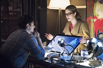 """Arrow -- """"Nanda Parbat"""" -- Image AR315C_0124b -- Pictured (L-R): Brandon Routh as Ray Palmer and Emily Bett Rickards as Felicity Smoak -- Photo: Dean Buscher/The CW -- © 2015 The CW Network, LLC. All Rights Reserved."""