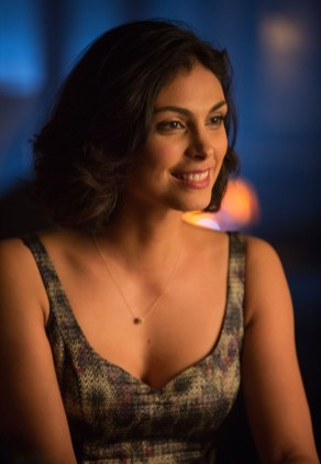 """GOTHAM: Morena Baccarin guest-stars as Dr. Leslie Thompkins in the """"The Fearsome Dr. Crane"""" episode of GOTHAM airing Monday, Feb. 2 (8:00-9:00 PM ET/PT) on FOX. ©2015 Fox Broadcasting Co. Cr: Jessica Miglio/FOX"""