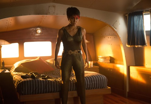 """GOTHAM: Jada Pinkett Smith as Fish Mooney in the """"The Fearsome Dr. Crane"""" episode of GOTHAM airing Monday, Feb. 2 (8:00-9:00 PM ET/PT) on FOX. ©2015 Fox Broadcasting Co. Cr: Jessica Miglio/FOX"""