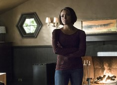 """The Vampire Diaries -- """"A Bird in a Gilded Cage"""" -- Image Number: VD617a_0017.jpg -- Pictured: Kat Graham as Bonnie -- Photo: Tina Rowden/The CW -- © 2015 The CW Network, LLC. All rights reserved."""