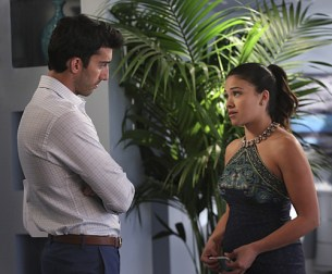 "VIDEO: Preview Tonight's 'Jane The Virgin' Season 1, Episode 15 ""Chapter Fifteen"""